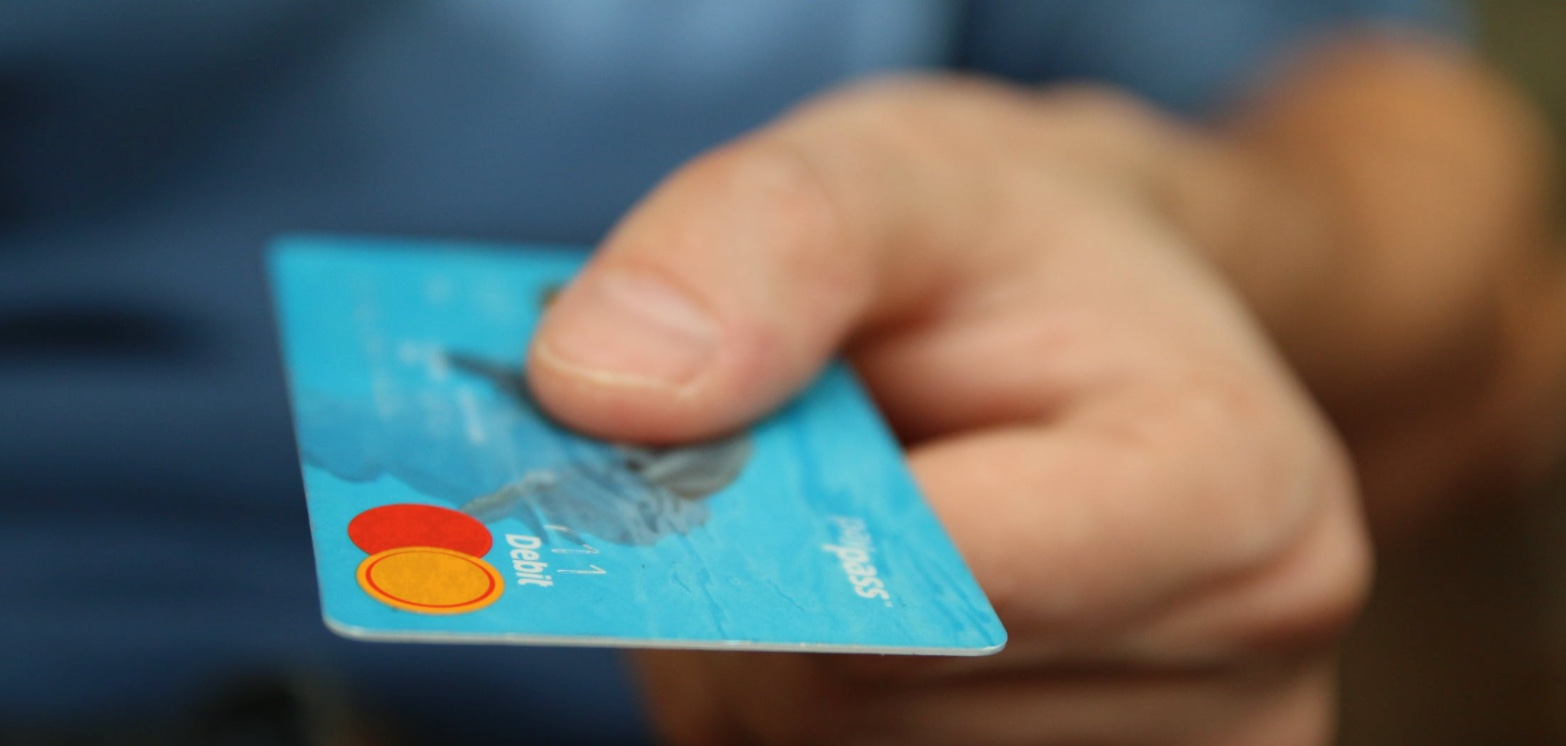 DNB avvikler legitimasjon på bankkort